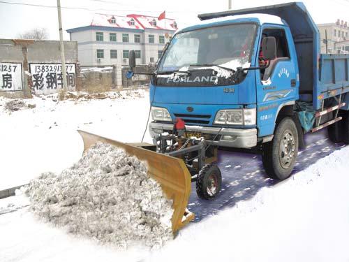 在112国道除雪现场