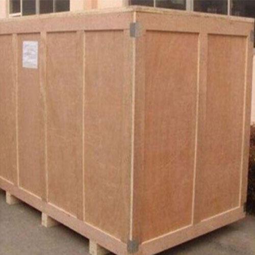 出口大木箱