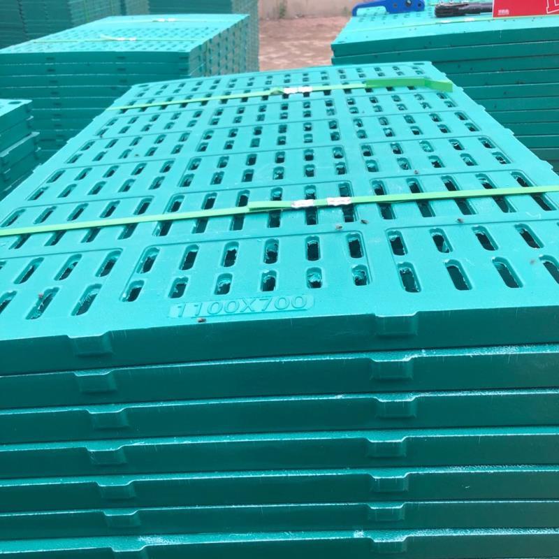 漏粪板母猪定位栏 晋城市铸铁腿 料线 母猪产床 保育床
